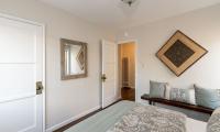 bed 2 to hallway